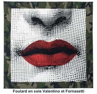Foulard en soie Valentino et Fornasetti